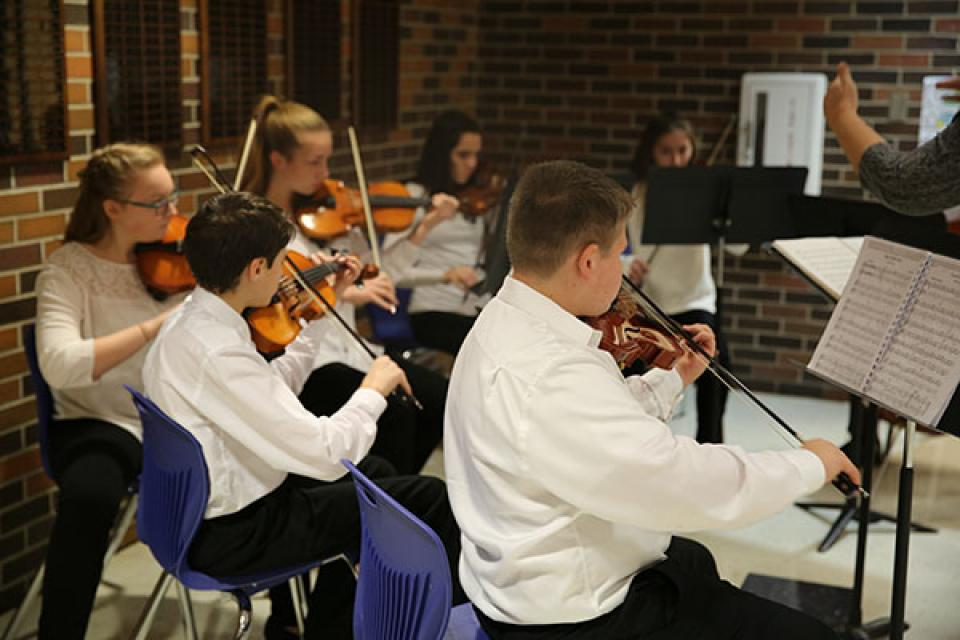 Schmucker Orchestra students perform for  P-H-M School Board (11/28/16)
